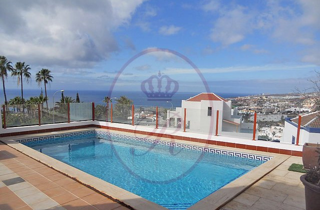 Villa for sale in las Americas
